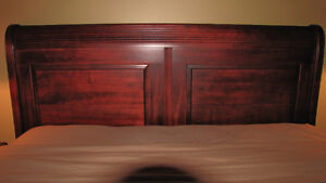 DURHAM SOLID MAPLE QUEEN SLEIGH EURO BED Cornwall Ontario image 4