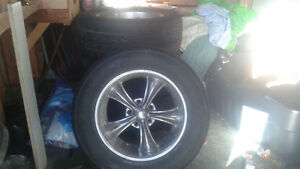 17 inches 255/60/17 tires and rims for 375$