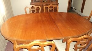 Dining table/5 chairs and china cabinet buffet Kawartha Lakes Peterborough Area image 5