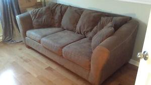 joli sofa 3 places à vendre