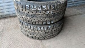 Pair of 2 Bridgestone Blizzak WS70 225/45R17 WINTER tires (55% t