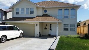 285 Sunhill Crt-with 1 bdrm inlaw suite