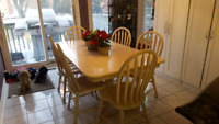 Kitchen / Dinning Room Solid Maple Table, Free Delivery