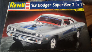3 1/24 scale model cars