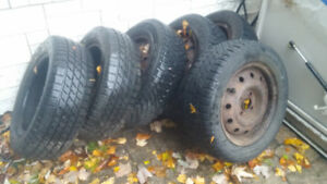 "Pneus d'hivers / Tires Winter 14"" (6 ) + Rims $250.00"