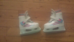 white bauer skates youth size 8/9