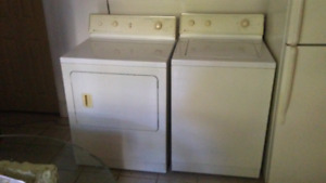 Laveuse-secheuse maytag $ 150.00