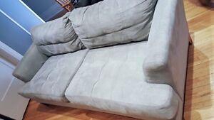 Divant bleu poudre/ blue couch