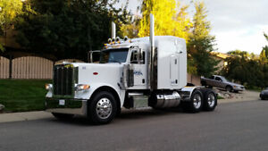 2015 Peterbilt 389 with Premium Extended Warranty