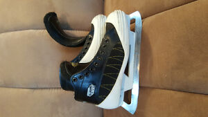 Size 4D 459 CCM Tacks Goalie skates