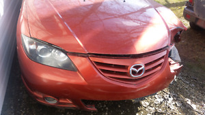 2004 mazda 3  (FOR PARTS ONLY )