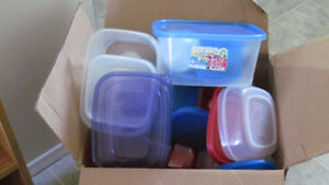 BOX OF PLASTIC STORAGE WARES!!
