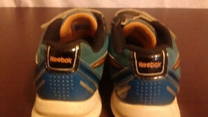 ADIDAS KIDS SHOES SIZE 12  IN GOOD CONDITION Sarnia Sarnia Area image 4