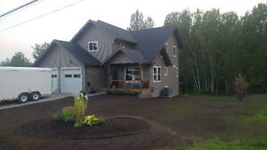 FS-2011 built home, newly landscaped in great neighbourhood
