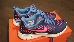 Nike shoes girls youth size 6.5 Y