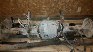 F350 dually 2wd Rear end ( 140 klm's )