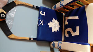 Solid Oak Toronto Maple Leafs chair signed  5 hall if famers