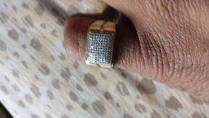Mens gold an diamond cluster ring Cambridge Kitchener Area image 3
