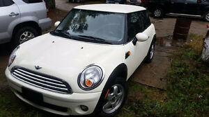 2010 MINI Mini Cooper Coupe (2 door) 128,000 kms