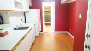 All Inclusive Student Rental 2-3 BR For the Winter & Summer! Kitchener / Waterloo Kitchener Area image 1