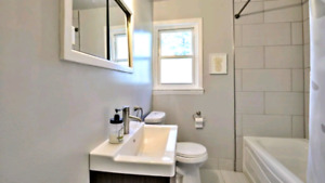 Room Available  (Female House) Mohawk college