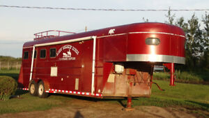 95 Southland horse trailer (with living quarters)