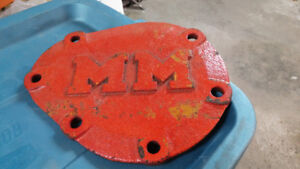 MINNEAPOLIS MOLINE CAST IRON  COVER PLATE