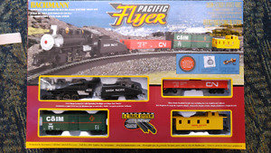 Used once, Bachmann Pacific Flyer electric train set