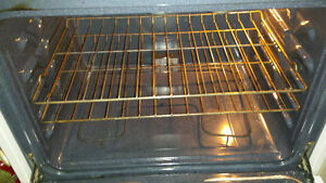stove/range general electric model jcbs28w j1ww white
