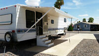 For rent 5th wheel trailer