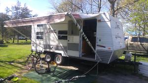 18 Ft Zinger Camper trailer
