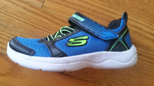 Brand new sketchers toddler size 8