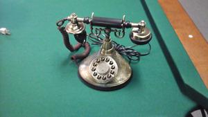 Téléphone style antique