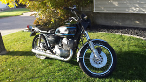 1977 Suzuki GT500 2 Stroke Twin  REDUCED TO $1000.00