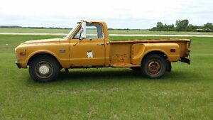 1968 GMC 920 Pickup with 8' Stepside Box