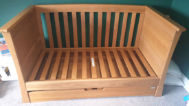 Excellent condition mamas and papas cot bed