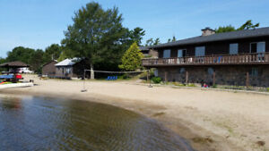 *****WATERFRONT COTTAGES WITH PRIVATE BEACH*****