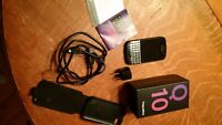 Blackberry Q10, Unlocked, like new, OEM case,