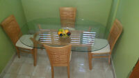 Beautiful Glass Dining table + 4 chairs Mint Condition Toronto