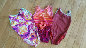 Gymnastic training suits