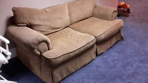 COUCH VERY COMFORTABLE Windsor Region Ontario image 2