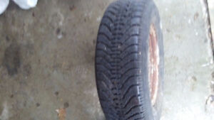 215/70/15 Goodyear Nordic Winter tire ( and 4 RIMS )