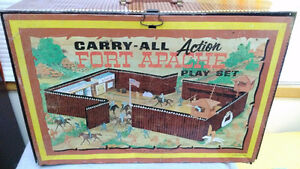 Wow! 1960s Original Marx Fort Apache - Play Set