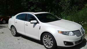 2010 Lincoln MKS White Sedan - REDUCED