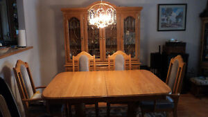 Dining Room Table Prince George British Columbia image 1