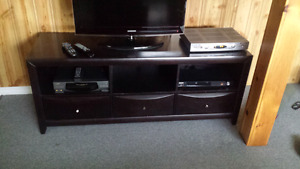 Mocca tv stand in great condition