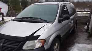2005 Dodge Grand caravan as is