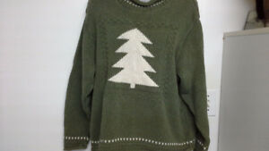 green Christmas sweater with tree. women's XL