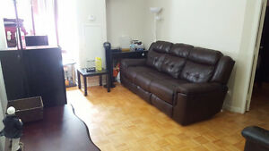 Apartment close to Lawrence subway station - $1050 available Sep