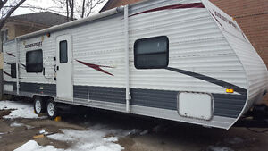 34 foot gulfstream two bedrooms 4 bunks immaculate condition